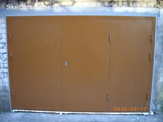 Metaliniai Garazo vartai, sandeliuko durys, sarvuotos durys