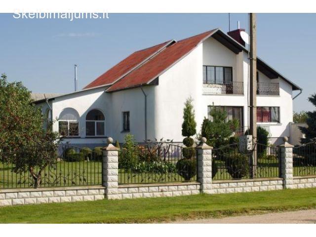 namas prie miško ir vandens telkinio, ramioje vietoje,Jurbarko r(90km nuo Kauno)